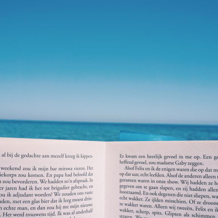 本を読んで言葉遣いを学ぶ